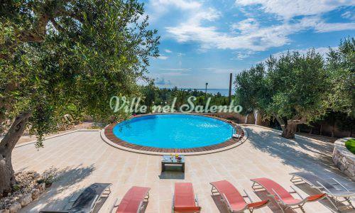 Villetta nella pace del Salento con piscina comune